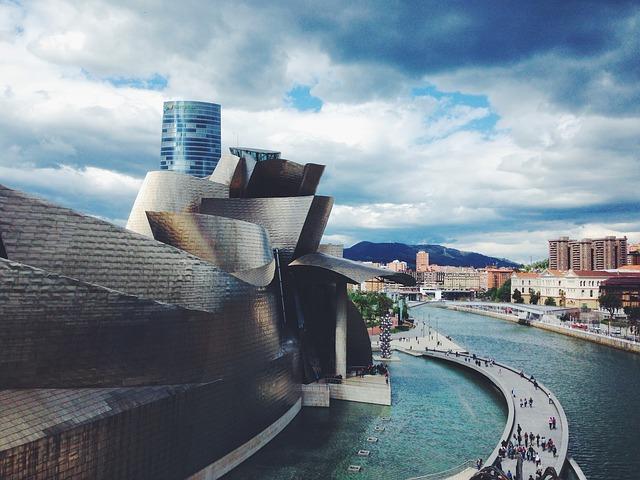 Bilbao, Spain, solo travelers